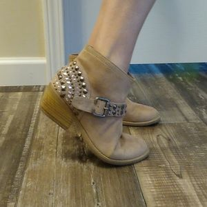 Maurices ✨ Studded Booties ~ 7.5